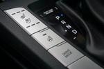 配置高得惊人,四个座位均有加热,正副驾驶还有通风,方向盘也有加热功能。
