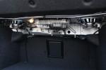 顶配车的低音炮会吃掉一些后备厢空间。