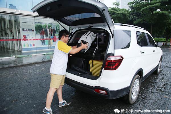 """长安CX70长测(3):连人带货飞奔,""""大白""""圆满完成送机任务"""
