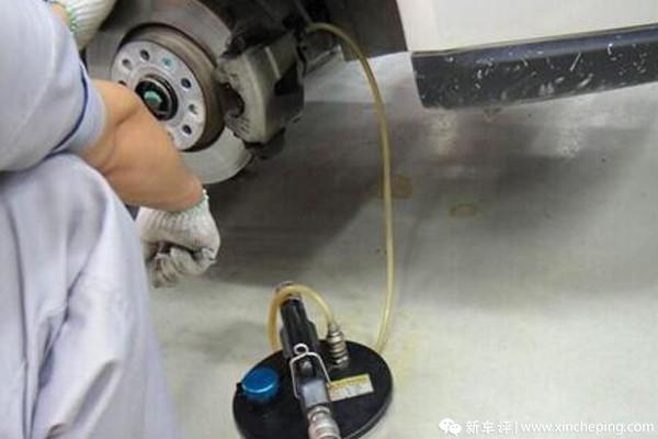 更换刹车油刹车可能偏软,那值得更换吗?