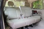 第三排除了空间很宽敞,座椅的舒适度还很不错。