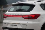 贯穿车尾的尾灯设计是这台车最具辨识度的细节。