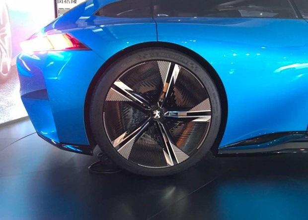展现未来设计方向 标致Instinct概念车亮相