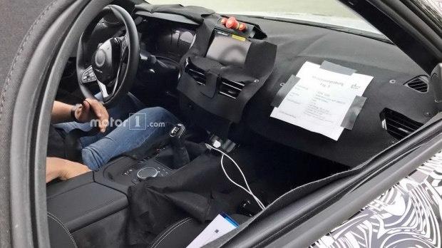 配最新一代iDrive 全新宝马Z4内饰谍照