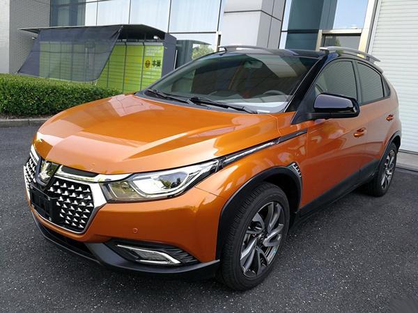 成都车展预售 纳智捷U5 SUV实