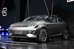 定位中型SUV BYTON拜腾首款概念车发布