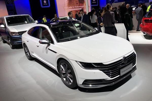 一汽-大众全新一代CC亮相 预计8月份上市