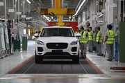 紧凑豪华SUV市场搅局者?参观捷豹E-PACE常熟工厂总装线