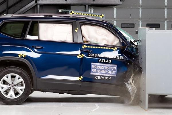 """仅3款车获得""""优秀""""级别,IIHS公布第四批车型测试结果"""