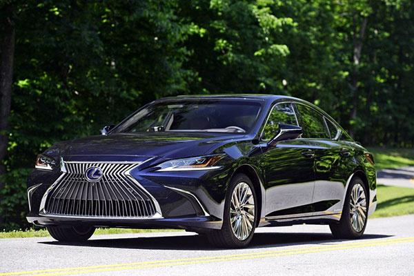 雷克萨斯新ES或7月26日上市 共推8款车型