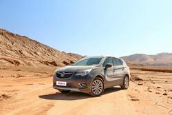 在气温超过40℃的戈壁和沙漠,汽车工程师在做什么试验?