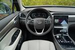 现在的车厢更有科技感和工业设计风。