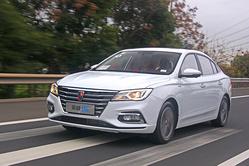 上汽荣威i5 1.5L首试:说它是国民家轿,你服不服?