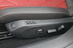 实拍车主驾还带有电动记忆和按摩功能。