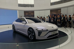 2019上海车展之蔚来ET:旗下首款轿车,采用溜背轿跑风格