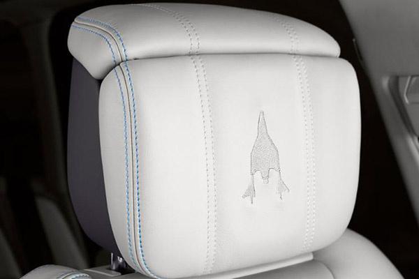 大玩联名款 路虎与维珍银河推出联名车型揽胜SVO宇航员版