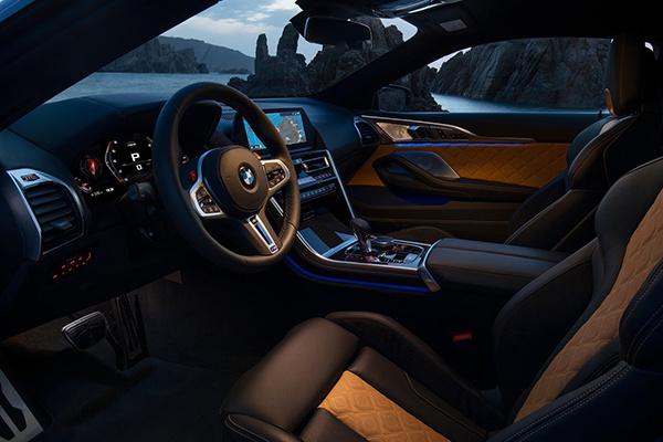 搭载4.4L V8双涡轮发动机,宝马发布全新M8官图