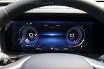 前方的液晶仪表可以根据不同驾驶模式更换颜色。