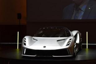 零百加速挤进两秒俱乐部,路特斯发布纯电超级跑车Evija