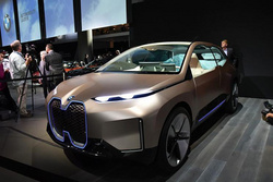 宝马与腾讯签署合作协议,加速推动在华自动驾驶发展进程