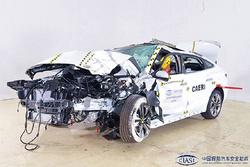 菲斯塔C-IASI碰撞成绩出炉:25%小重叠碰撞中A柱弯折严重
