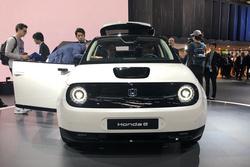 法兰克福车展Honda e实拍:可爱的后驱高性能电动车