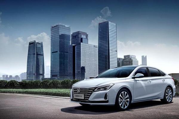 睿骋CC改款+更名 长安发布中型车锐程CC官图