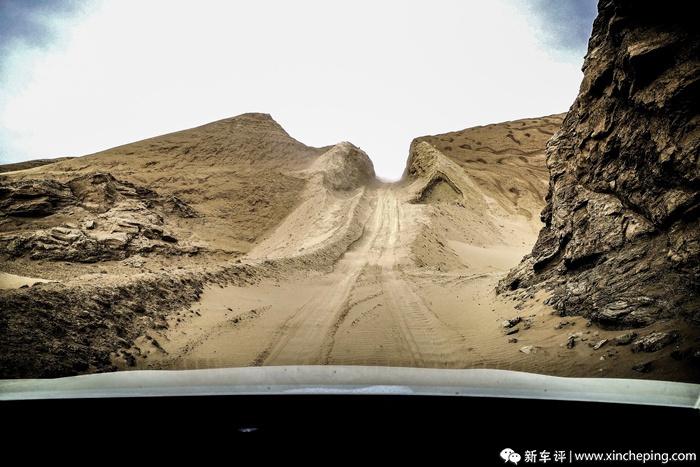 遍布流沙的青海无人区,奇骏能带我们穿越吗?