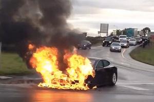 想買電動車怕自燃、怕車廠不管不問?新政有望緩解焦慮