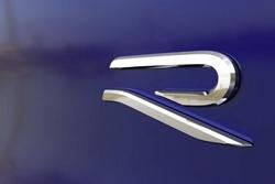 """继续推进品牌重塑工作,大众发布全新""""R""""Logo"""