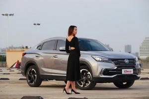 """白领小姐姐的惊喜:一台轿跑SUV如何""""活出""""高级感?"""