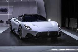 2020北京车展:玛莎拉蒂中置超跑售210万!MC20正式发布