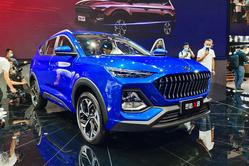 轴距2.8米中型SUV 江淮思皓X8上市售8.38万起