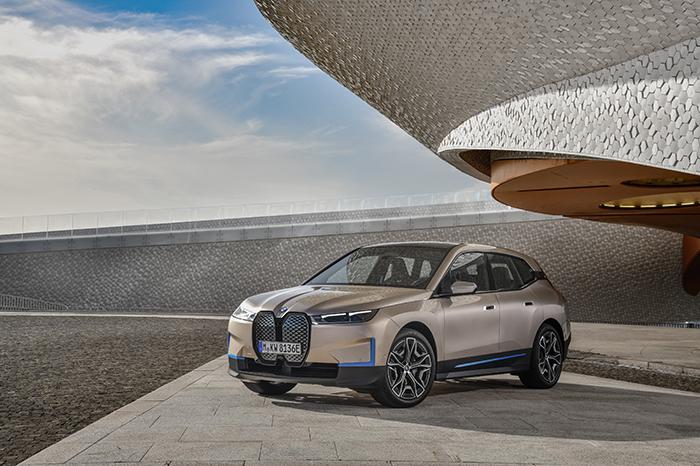 全新架构及理念,宝马纯电动新车BMW iX迎来正式亮相