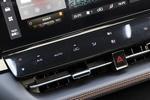 空调采用触控式操作,这是从睿骋CC开始的长安经典设计。