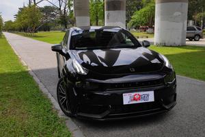 试驾领克02 Hatchback,它是一款兼顾运动与舒适性的车